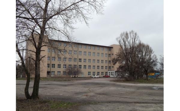 отдельно стоящее здание с ремонтом