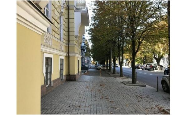 2 ком квартира р-н парка Шевченко Центр