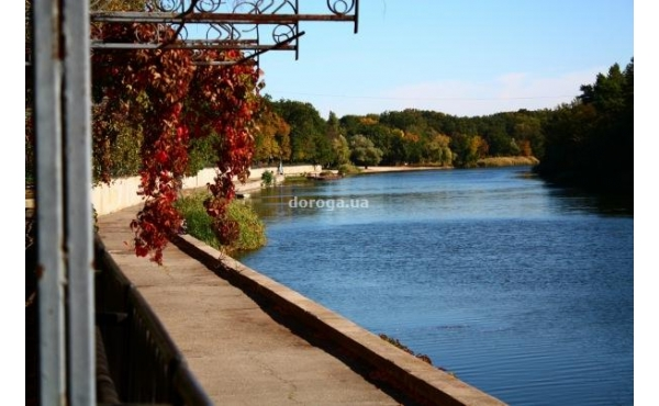 База отдыха на берегу реки с. Орловщина